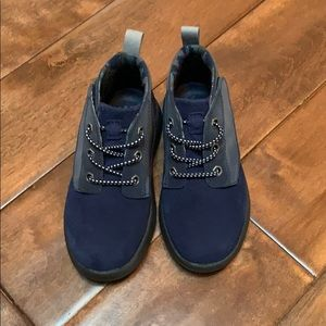TOMS boot style shoe
